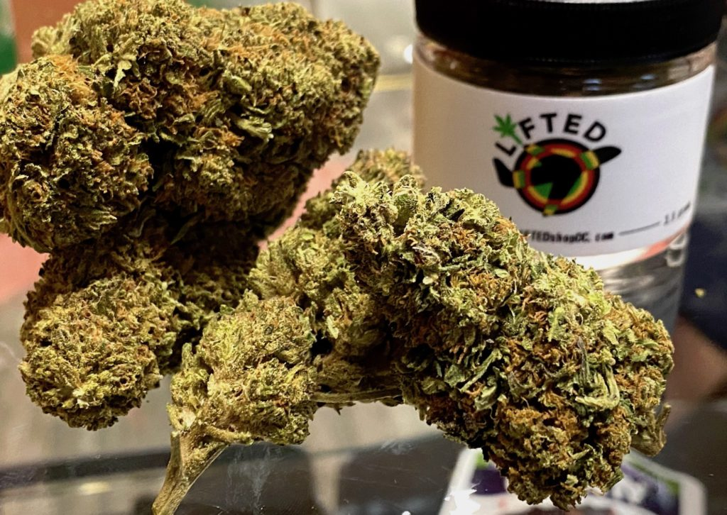 lifted shop dc strawberry cough weed photo