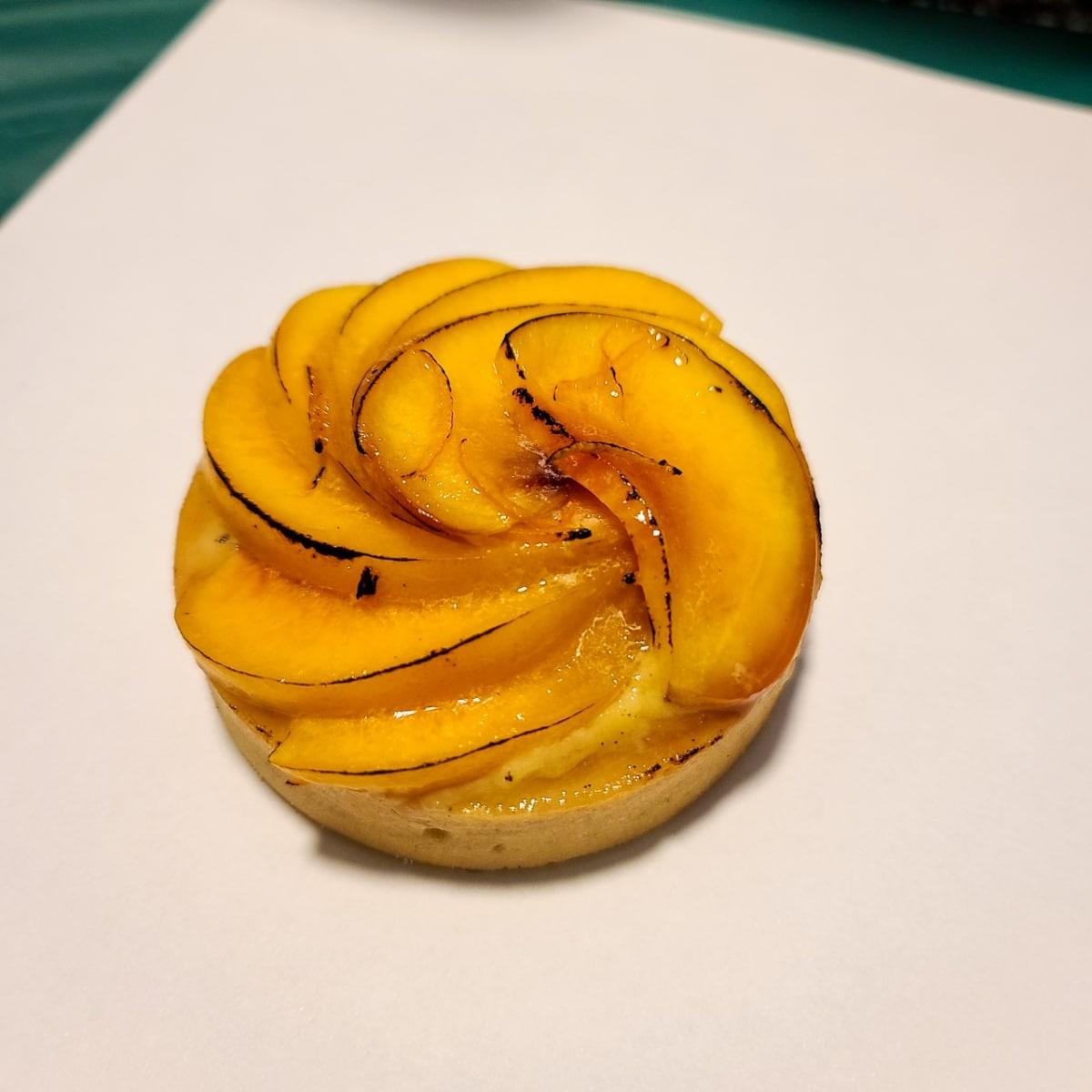 lucky chuckie dc yellow peach tart weed edible photo