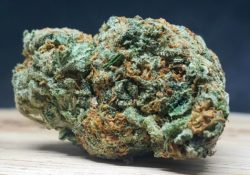 lucky chuckie dc blue cheese weed photo